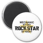Estrella del rock del mecánico por noche imán de nevera