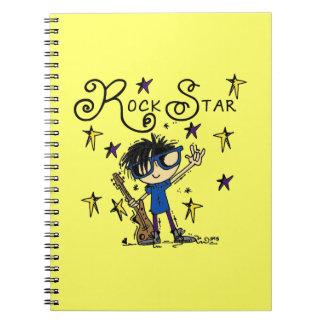 Estrella del rock del muchacho del pelo negro libro de apuntes