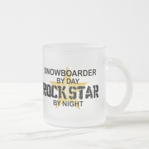 Estrella del rock del Snowboarder por noche Taza Cristal Mate