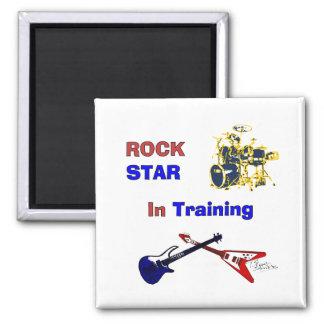 Estrella del rock en el entrenamiento imán cuadrado