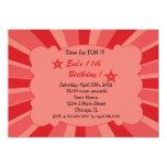 Estrella estallada - invitación roja del invitación 12,7 x 17,8 cm