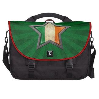 Estrella irlandesa de la bandera con los rayos de bolsas de portatil
