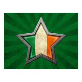 Estrella irlandesa de la bandera con los rayos de  tarjeta postal