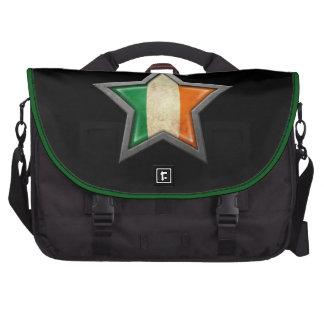 Estrella irlandesa de la bandera en negro bolsas para portatil
