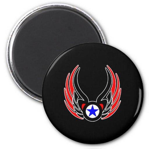 Estrella negra de las alas del tatuaje iman de frigorífico