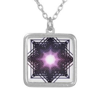 Estrella púrpura colgante