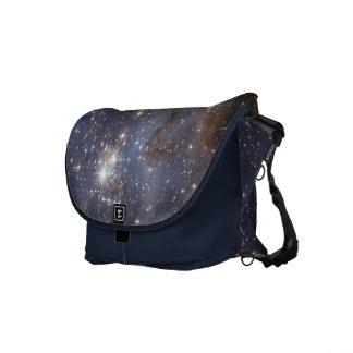 Estrella que forma en la bolsa de mensajero de la  bolsas messenger