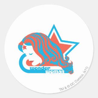Estrella roja y azul de la Mujer Maravilla Etiquetas Redondas