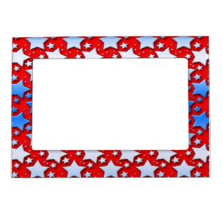 Estrellas azules del blanco en rojo foto de imanes