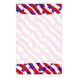Estrellas azules patrióticas onduladas sobre rayas  papeleria de diseño