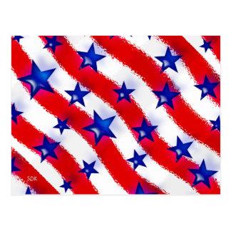 Estrellas azules patrióticas onduladas sobre rayas postal
