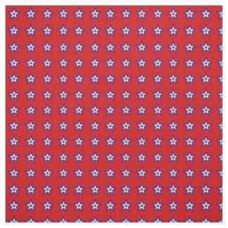 Estrellas blancas y azules rojas en tela roja telas