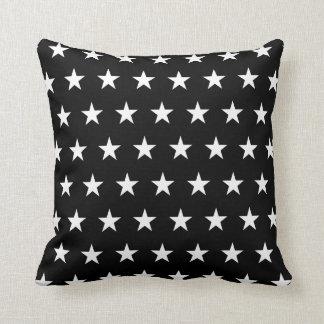 Estrellas blancos y negros cojín