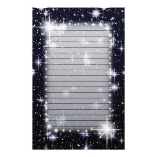 Estrellas brillantes brillantes en el espacio alin  papeleria de diseño