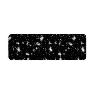 Estrellas brillantes brillantes en espacio etiqueta de remite
