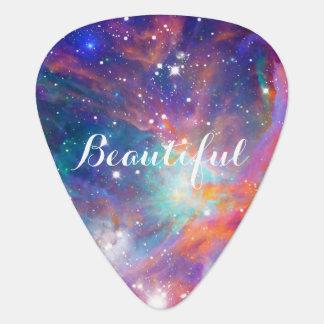 Estrellas brillantes de la nebulosa impresionante  plumilla de guitarra