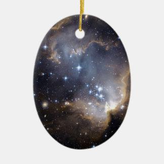 Estrellas brillantes de NGC 602 Adorno Navideño Ovalado De Cerámica