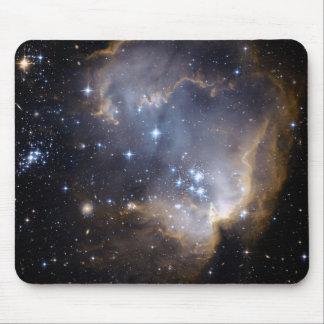 Estrellas brillantes de NGC 602 en la vía láctea Tapetes De Raton
