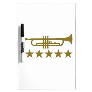 Estrellas de la trompeta pizarra blanca