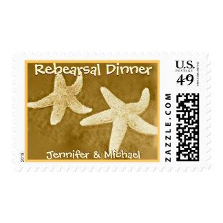 Estrellas de mar de la cena del ensayo con la timbre postal