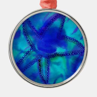 Estrellas de mar de la turquesa adorno navideño redondo de metal