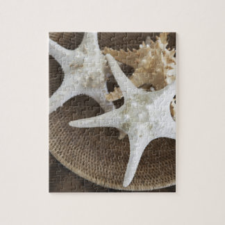 Estrellas de mar en una cesta rompecabezas