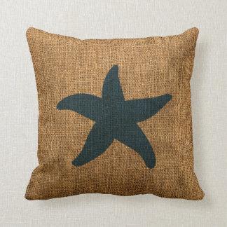 Estrellas de mar náuticas en azul del mar profundo almohadas