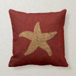 Estrellas de mar náuticas en rojo y reverso rústic almohada