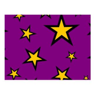 Estrellas del amarillo en púrpura postales
