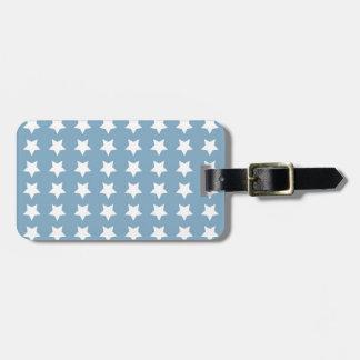 Estrellas del blanco en azul gris etiquetas maleta