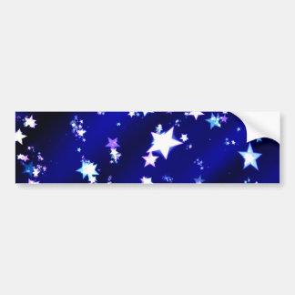 Estrellas del blanco en fondo modelado azul etiqueta de parachoque