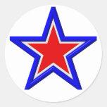 Estrellas del rojo, blancas y azul apilado pegatina redonda