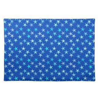 Estrellas del satén, azul claro en el cobalto mantel individual