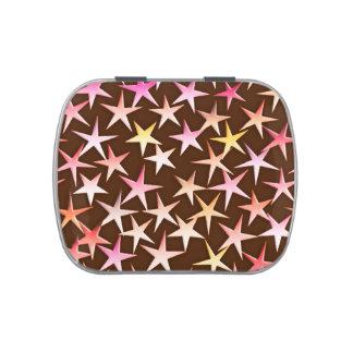 Estrellas del satén, rosadas en el chocolate latas de dulces