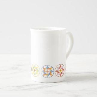 Estrellas en círculos que hacen juego el sistema - taza de porcelana