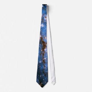 Estrellas infantiles de NGC 346 Corbata
