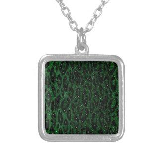 Estrellas negras verdes del guepardo colgante cuadrado