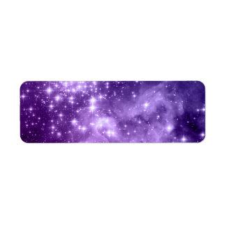 Estrellas púrpuras de la magia etiqueta de remite