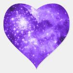 Estrellas púrpuras pegatina en forma de corazón