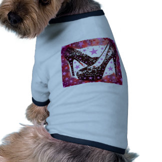 Estrellas púrpuras rosadas atractivas fabulosas de camisa de perrito