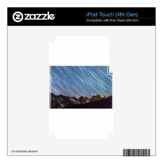 Estrellas que llueven abajo en los picos del indio calcomanía para iPod touch 4G