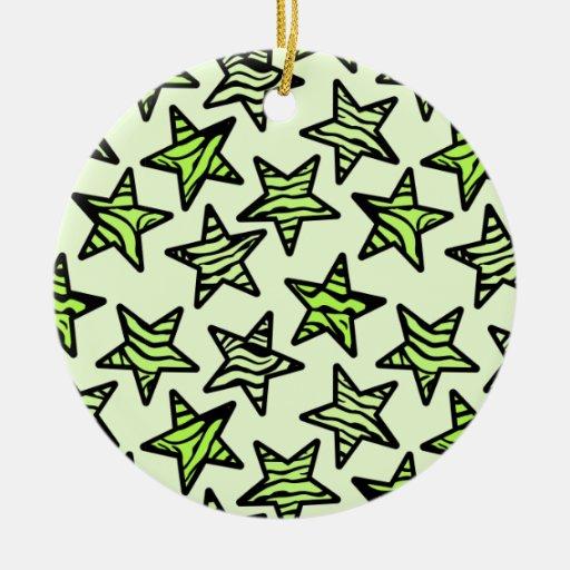 Estrellas verdes del estampado de zebra adorno redondo de cerámica