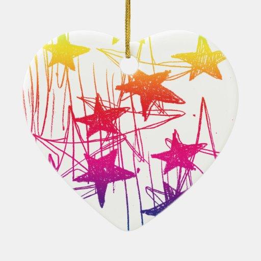 Estrellas y arco iris de los garabatos adorno navideño de cerámica en forma de corazón