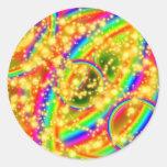 Estrellas y arco iris pegatina redonda