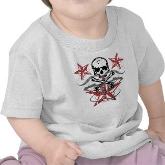 Estrellas y cráneo K Camisetas