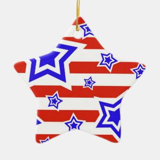 Estrellas y rayas patrióticas 4tas del ornamento adorno navideño de cerámica en forma de estrella