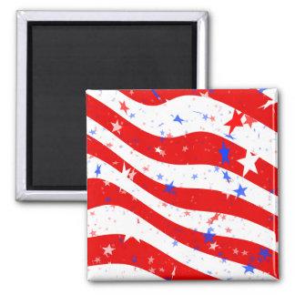 Estrellas y rayas rojas, blancas, y azules patriót imán cuadrado