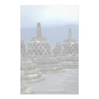 Estructuras de Bell, Borobudur, Java, Indonesia Papeleria