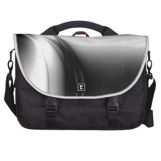 Estuario blanco y negro bolsas para portátil