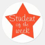 Estudiante adaptable de la semana pegatina redonda